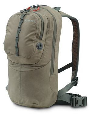 <font color=red>On Sale - Clearance</font><br>Simms Headwaters 1/2 Day Pack - Dk Elkhorn